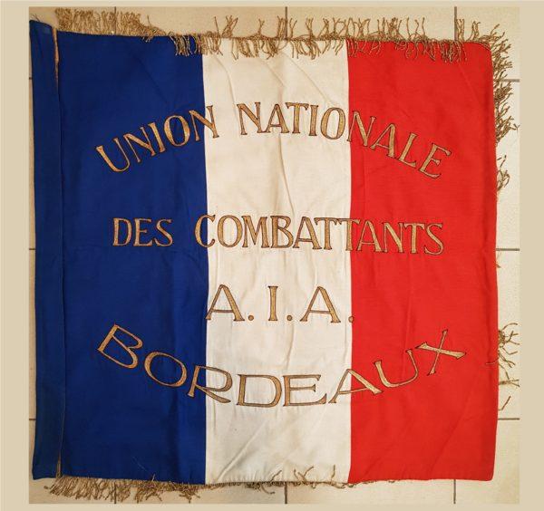 drapeau en broderie